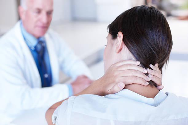 nekhernia behandeling